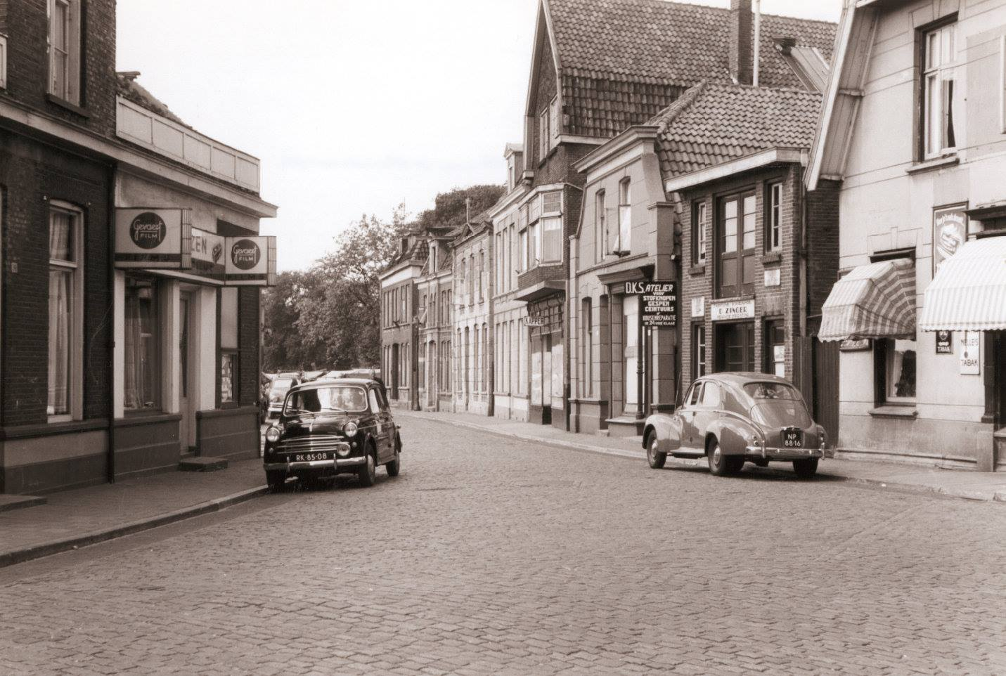 Willemstraat juli 1955 Zinger DKS.jpg