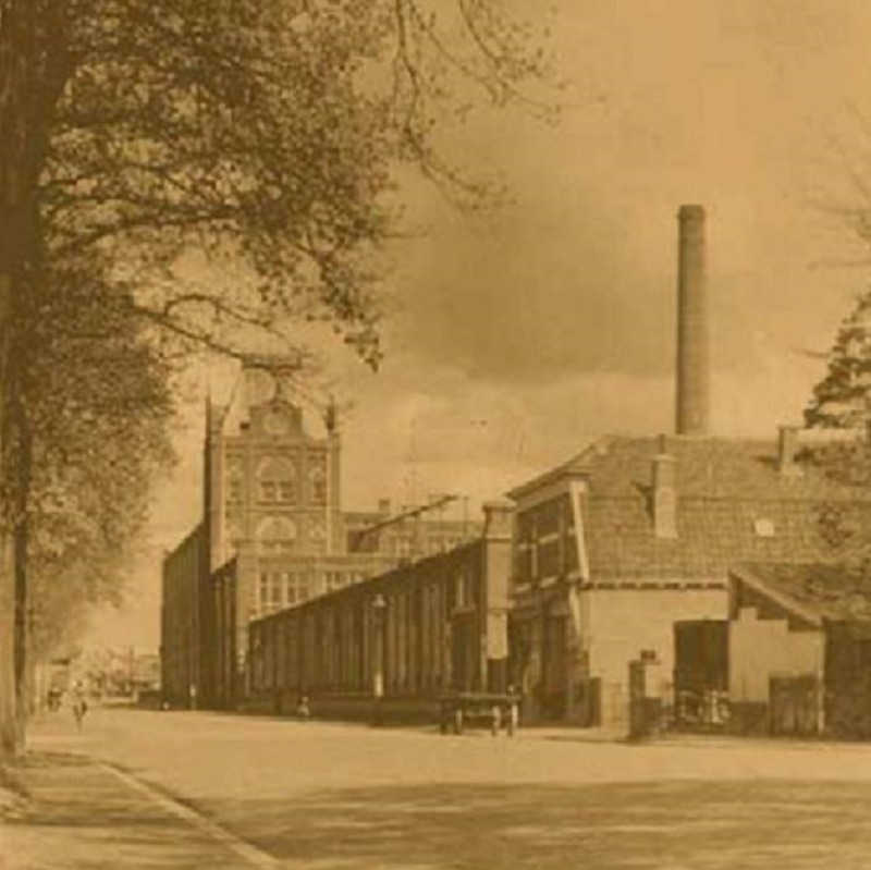 Haaksbergerstraat begin 1900 textielfabriek Jannink.jpg