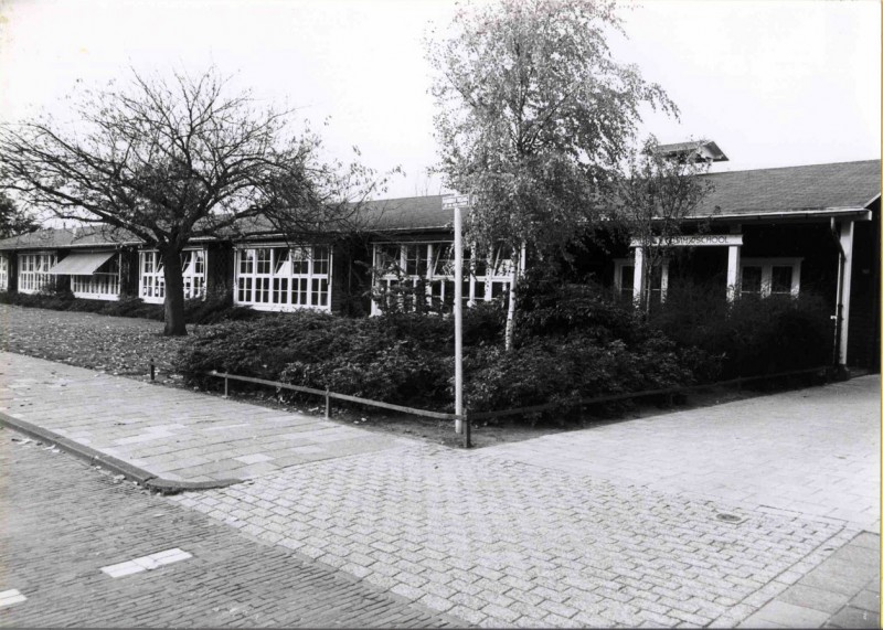 Elferinksweg 106, Prof. R. Casimirschool 1985.jpg