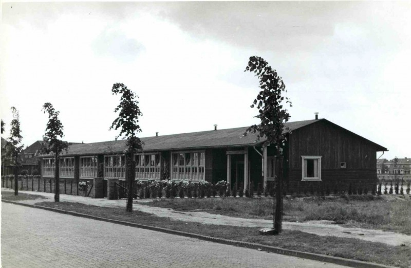 Elferinksweg 106. Prof. Dr. Casimirschool 1950.jpg