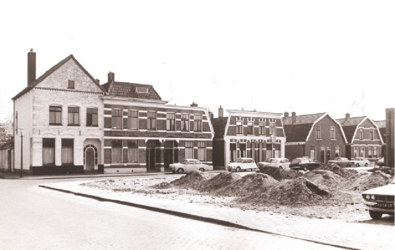 Wagelerstraat 22 links hoek Wagelerdwarsstraat 15-4-1974.jpg