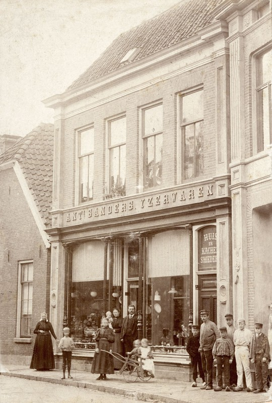 haverstraat 38 Sanders IJzerwaren 1886.jpg