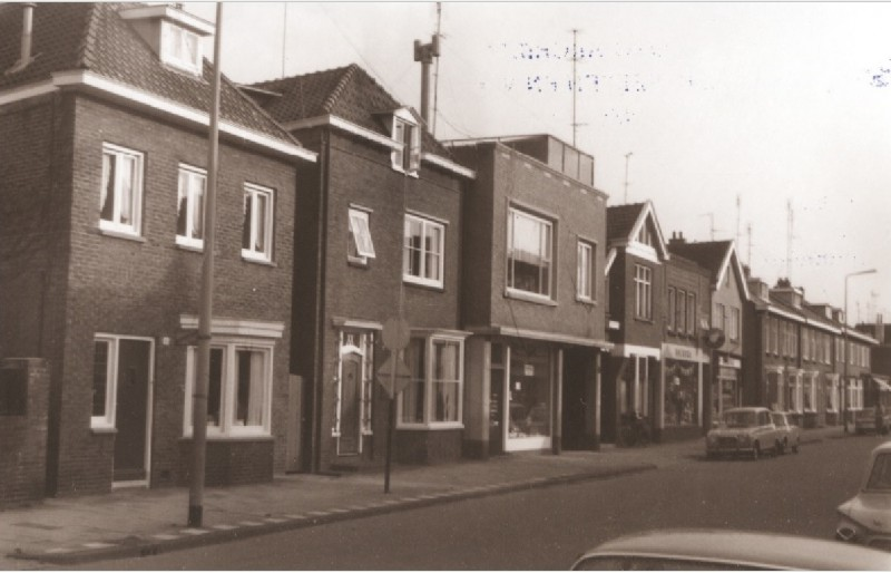 Deurningerstraat 96-100 foto 1967.jpg